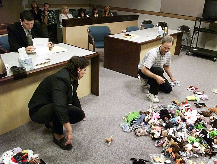 Photo Of Divorced Couple Splitting Up Their Beanie Babies Is Peak  90s 59cb11bfdb