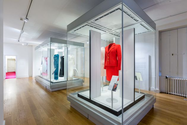 Diana´s fashion takes centre stage in exhibition