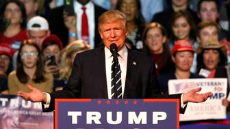 U.S. Republican presidential nominee Donald Trump speaks at his final campaign event at the Devos Place in Grand Rapids, Michigan, U.S. November 8, 2016.  REUTERS/Rebecca Cook