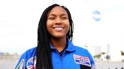 Esta menina de 13 anos fez uma 'vaquinha' para que 800 pessoas assistissem 'Estrelas Além do
