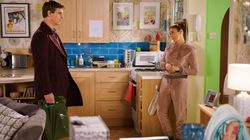 'Corrie' Spoiler! Will Michelle Fall Into Robert's Arms After Steve's Baby