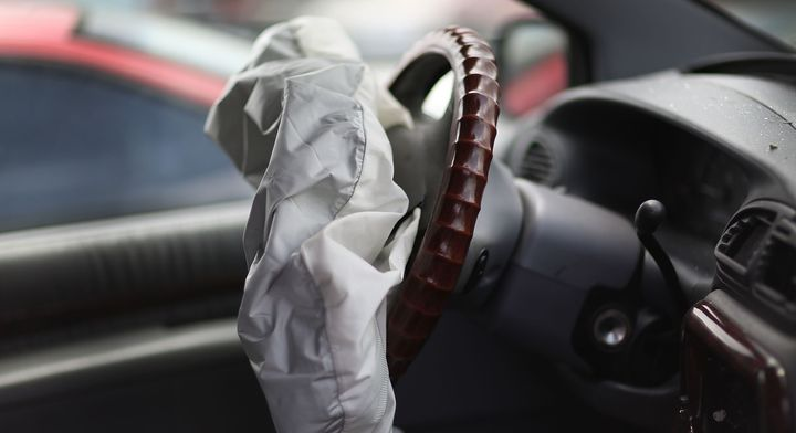 Takata lawsuit alleges 5 automakers knew of defects, kept using parts