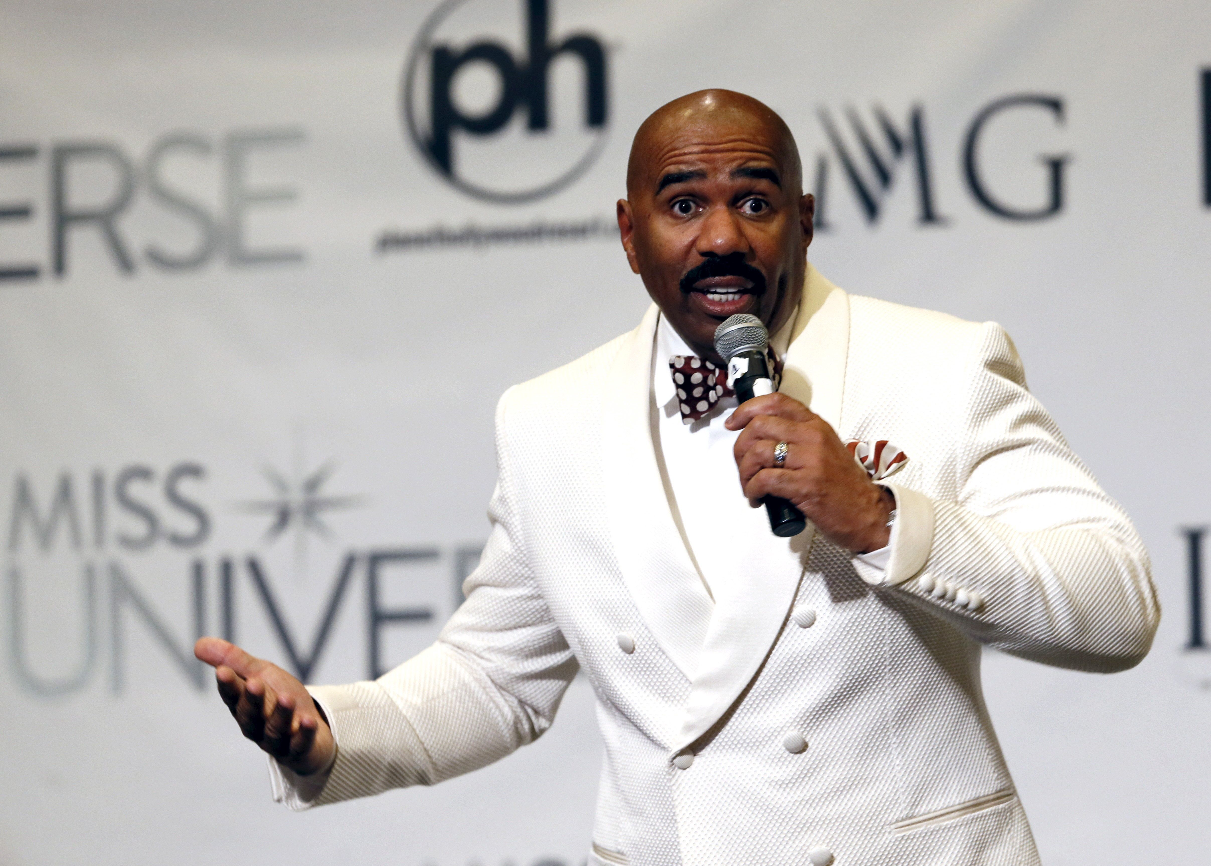 Host Steve Harvey speaks to reporters after the 2015 Miss Universe Pageant in Las Vegas, Nevada, December 20, 2015. Harvey said he misread the card when he made the announcement that Miss Colombia was the winner. Miss Philippines Pia Alonzo Wurtzbach was the actual winner. REUTERS/Steve Marcus ATTENTION EDITORS - FOR EDITORIAL USE ONLY. NOT FOR SALE FOR MARKETING OR ADVERTISING CAMPAIGNS