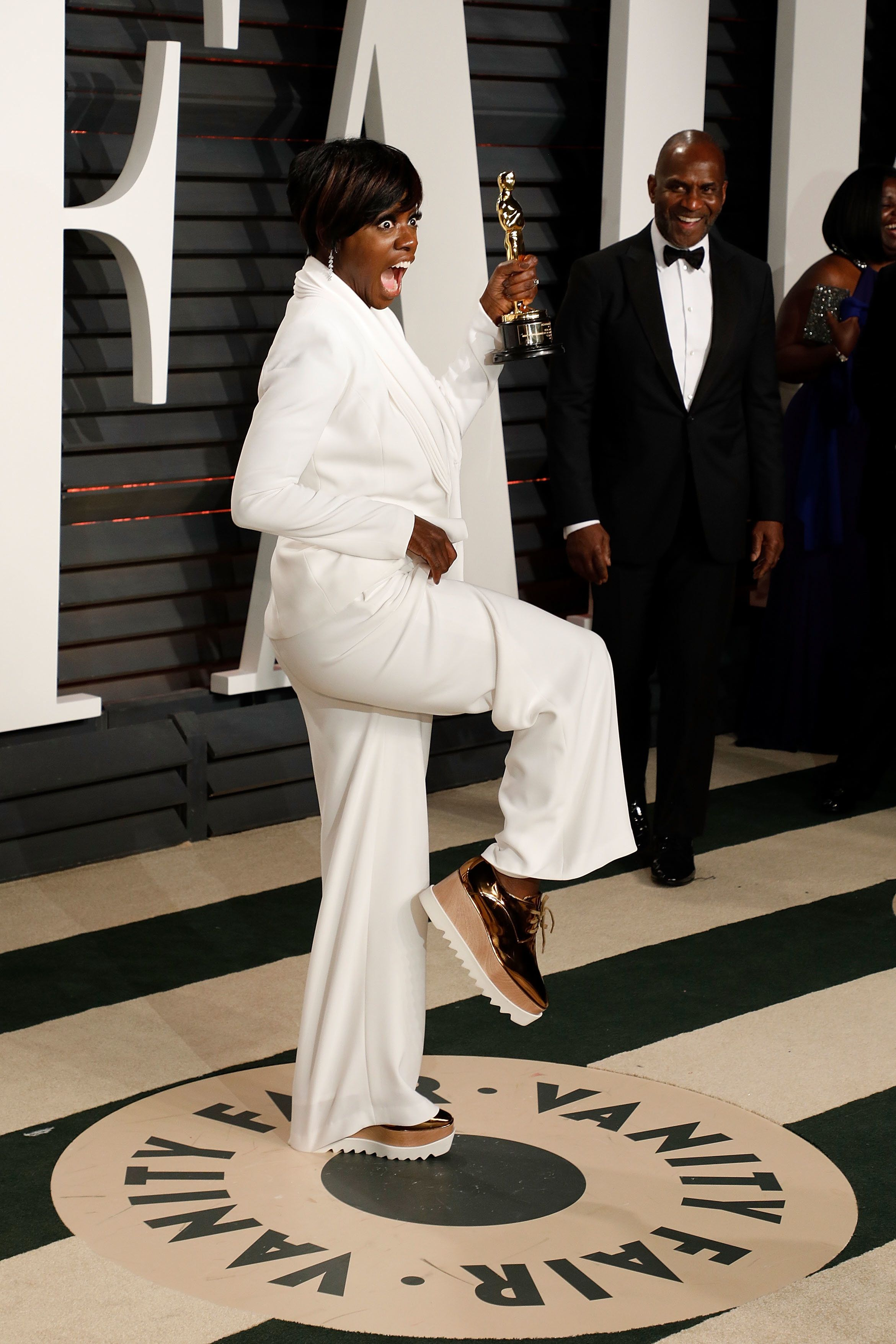 BEVERLY HILLS, CA - FEBRUARY 26:  Viola Davis attends the 2017 Vanity Fair Oscar Party at Wallis Annenberg Center for the Performing Arts on February 26, 2017 in Beverly Hills, California.  (Photo by Taylor Hill/Getty Images)