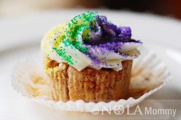 "<strong>Get the <a href=""http://www.nolamommy.com/2012/02/king-cake-cupcakes-recipe/"" target=""_blank"">King Cake Cupcakes reci"