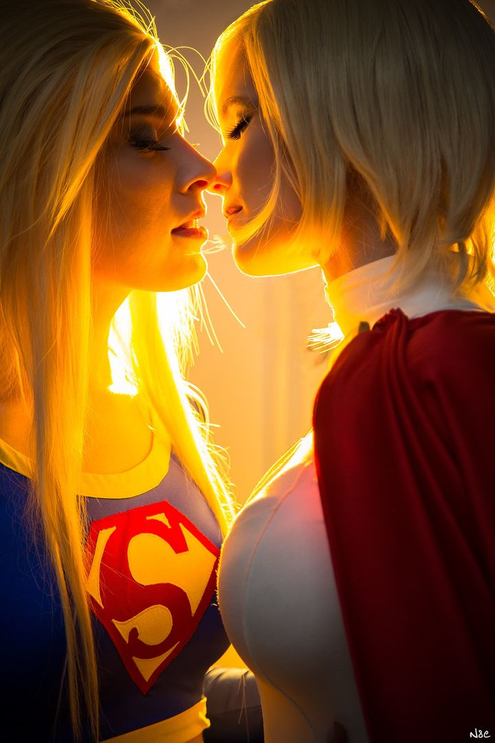 Carina as Supergirl (left) and Sørine as Power Girl (right) from DC Comics.