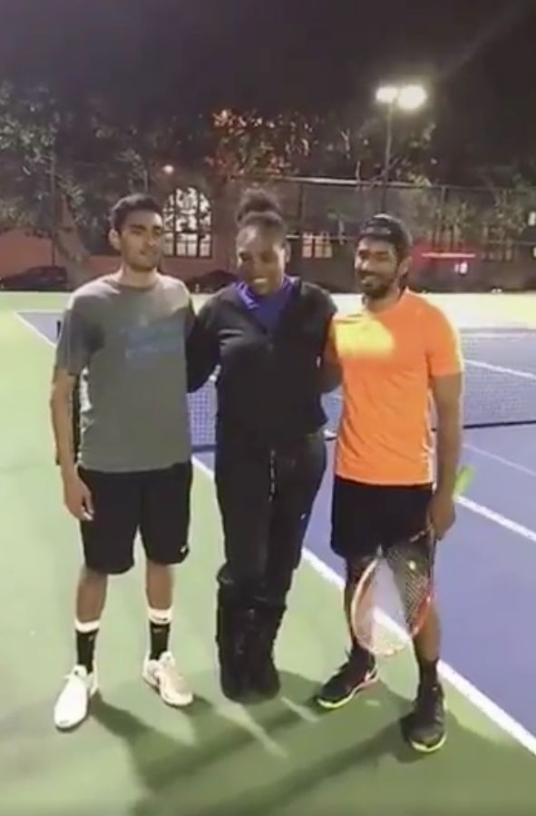 Serena Williams Gatecrashed Two Guys Playing Tennis While Out Walking Her