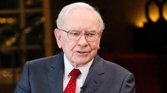 SQUAWK BOX -- Pictured: Warren Buffett, chairman and CEO of Berkshire Hathaway, and consistently ranked among the world's wealthiest people, in an interview with Squawk Box on February 29, 2016 -- (Photo by: Lacy O'Toole/CNBC/NBCU Photo Bank via Getty Images)