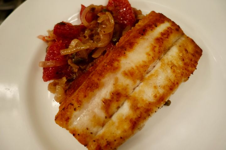 <p>Dogfish with onions and blood oranges</p>