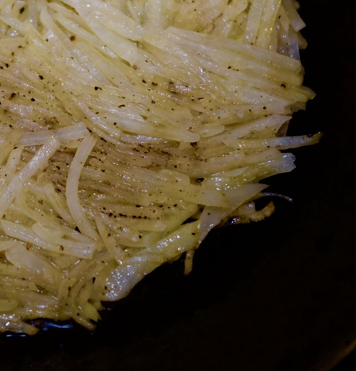 <p>Rösti in the pan - hand-julienned, if you please</p>