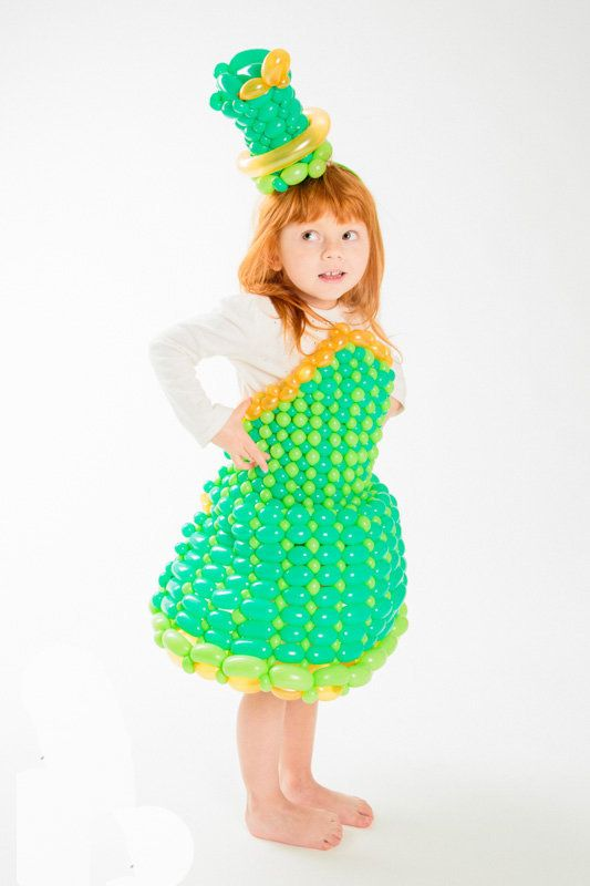 "Pants told HuffPost this green dress he made out of balloons for his daughter was ""a big hit."""