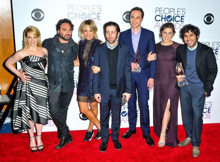 """Melissa Rauch, Johnny Galecki, Kaley Cuoco, Simon Helberg, Jim Parsons, Mayim Bialik and Kunal Nayyar of """"The Big Bang Theory"""
