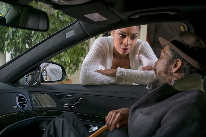 "Susan Kelechi Watson as Beth and Ron Cephas Jones as William in ""This Is Us"" episode ""Memphis."""