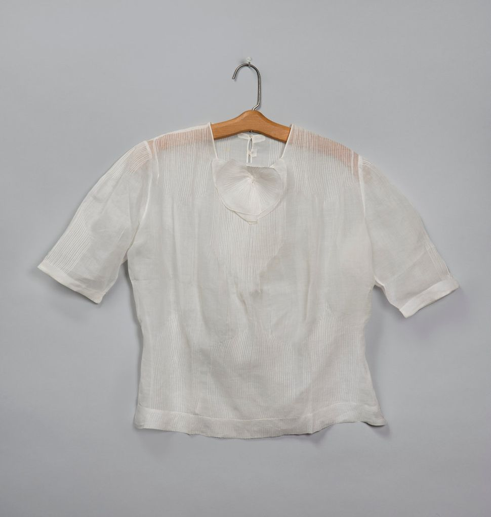 Blouse attributed to Georgia O'Keeffe, circa early to mid-1930s, white linen.