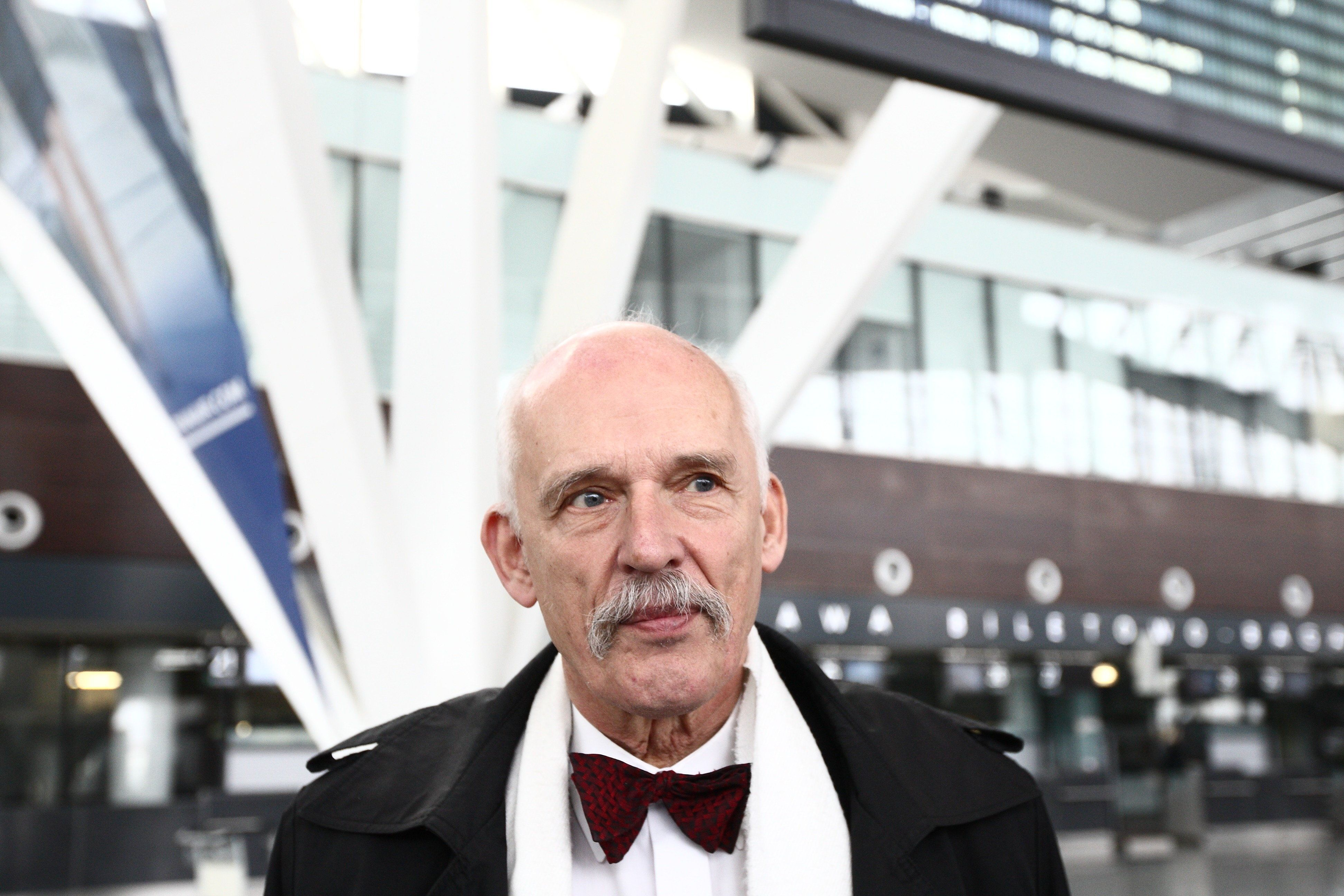 Gdansk, Poland 20th, March 2015 Lech Walesa Airport in Gdansk. Far right politician and candidate for President of Poland Janusz Korwin Mikke press conference at the Gdansk airport. Mikke continues his presidential campaign traveling around Poland on board an aeroplane named 'Air Korwin One'. (Photo by Michal Fludra/NurPhoto) (Photo by NurPhoto/NurPhoto via Getty Images)