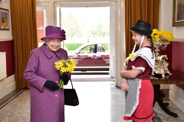 We wonder what signal the Queen is giving
