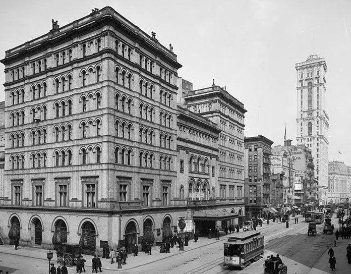 Metropolitan Opera House, 39th Street and Broadway in New York City