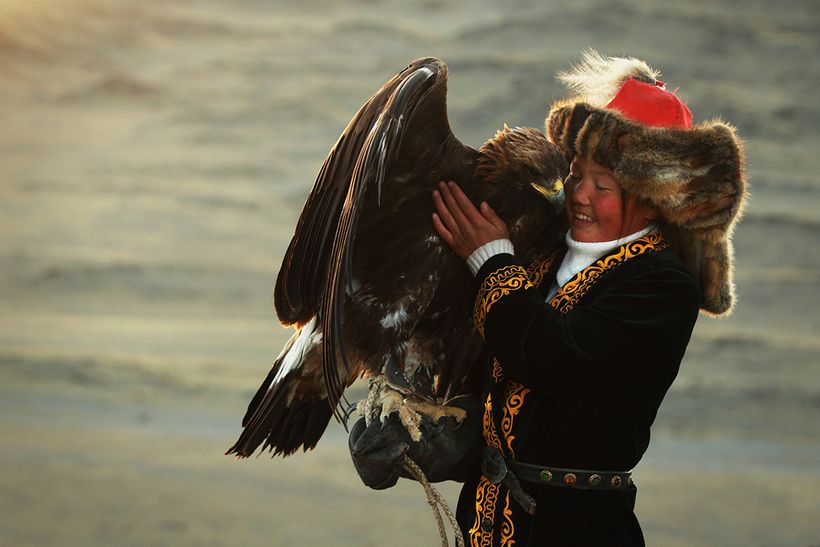 "Aisholpan in full Kazakh uniform with golden eagle in Mongolia <a rel=""nofollow"" href=""http://www.svidensky.com/projects/the-"