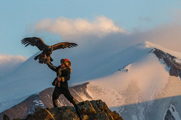 "Aisholpan training with her father's eagle in Mongolia <a rel=""nofollow"" href=""http://www.svidensky.com/projects/the-eagle-hu"