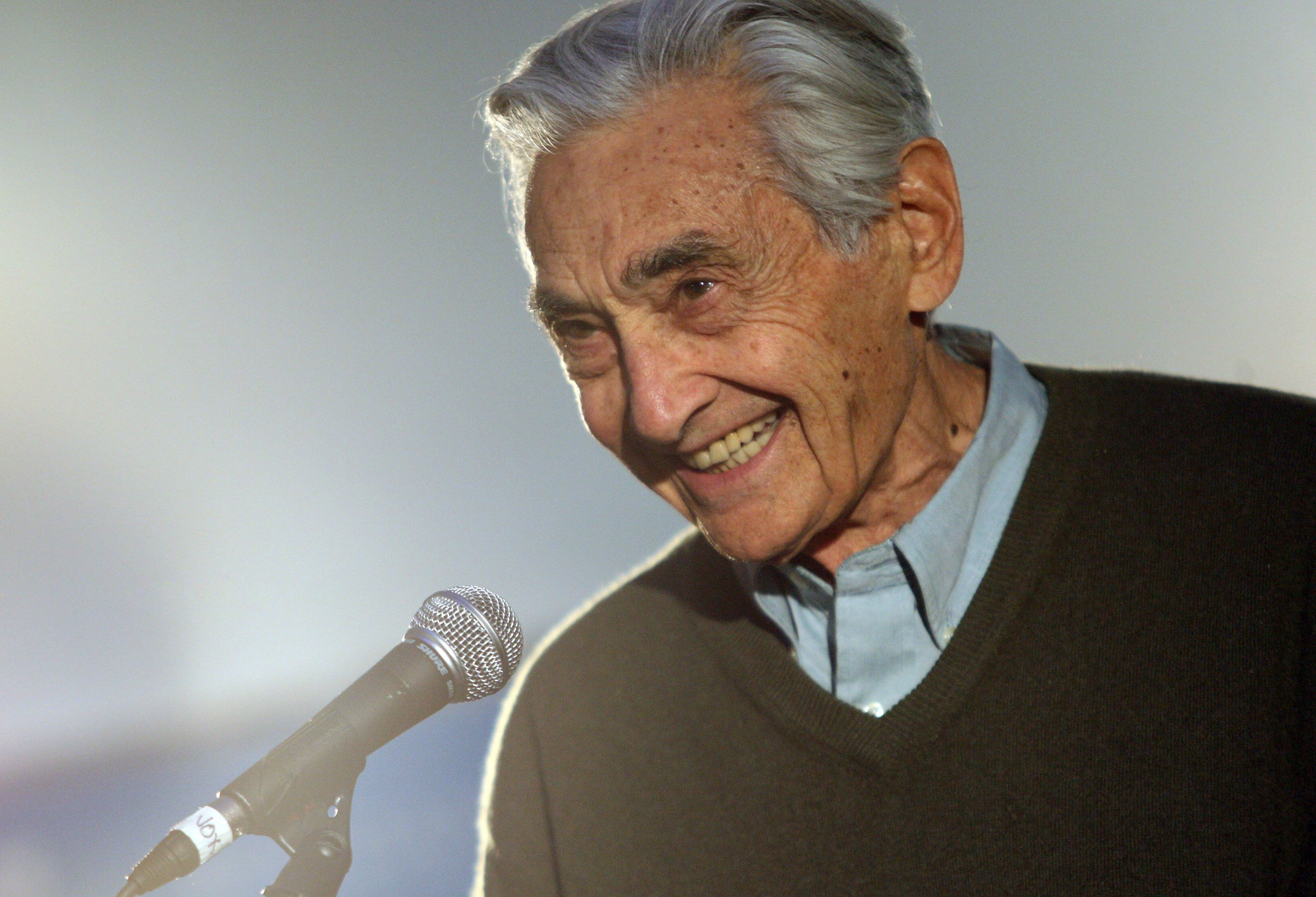 PARK CITY, UT - JANUARY 22:  Author Howard Zinn speaks during the People Speak ASCAP Music Cafe performance held during the 2009 Sundance Music Festival on January 22, 2009 in Park City, Utah.  (Photo by Bryan Bedder/Getty Images)