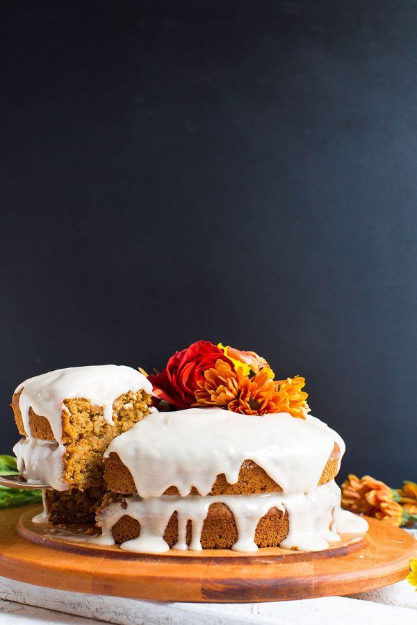 """<strong>Get the <a href=""""http://minimalistbaker.com/1-bowl-pumpkin-cake-vegan-gf/"""" target=""""_blank"""">1-Bowl Pumpkin Cake recipe"""