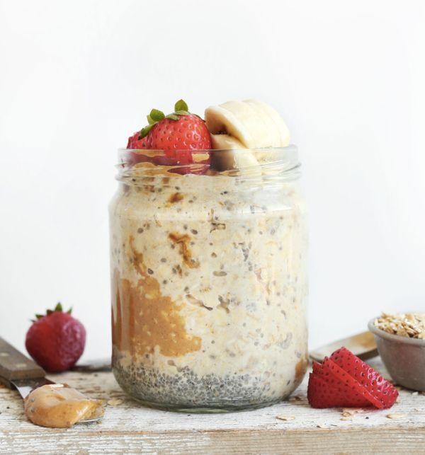 """<strong>Get the <a href=""""http://minimalistbaker.com/peanut-butter-overnight-oats/"""" target=""""_blank"""">Peanut Butter Overnight Oa"""