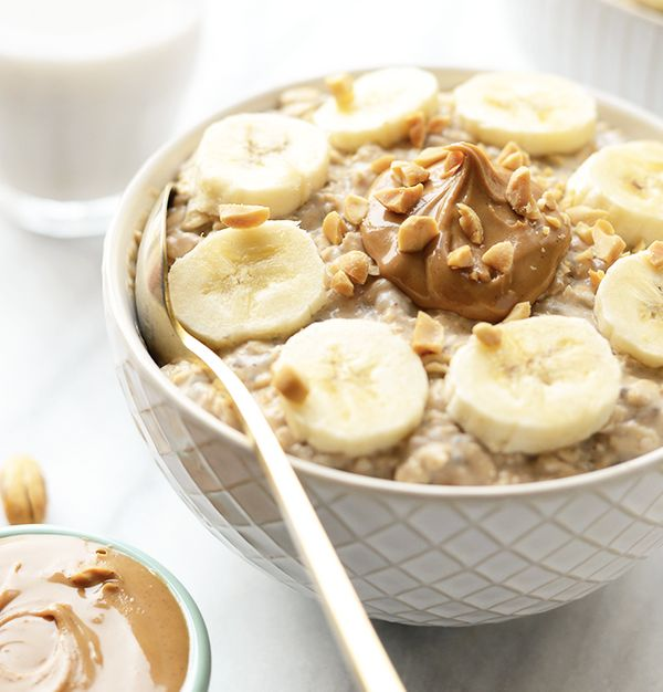 """<strong>Get the <a href=""""http://fitfoodiefinds.com/2016/04/video-peanut-butter-banana-overnight-oats/"""" target=""""_blank"""">Peanut"""