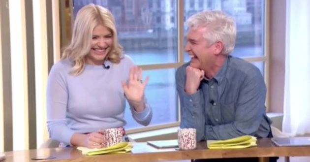 Holly Willoughby and Phillip Schofield cracked up at Gino's D'Acampo