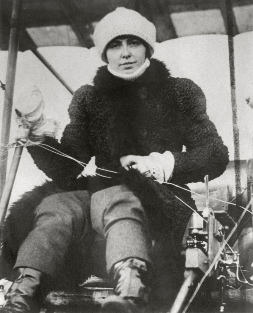 Helene Dutrieu, Belgian aviator, circa 1905.