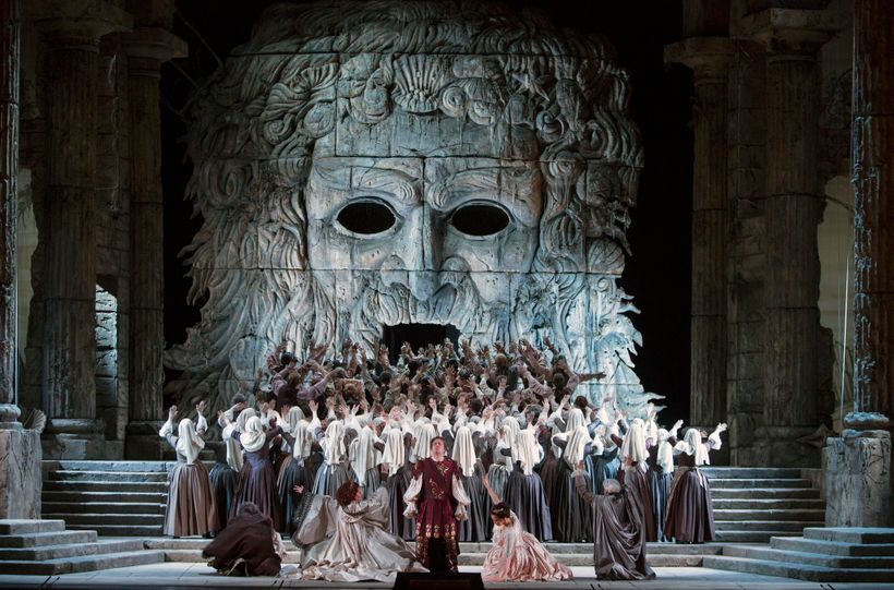 Cast and chorus in a scene from the Met's <em>Idomeneo</em>