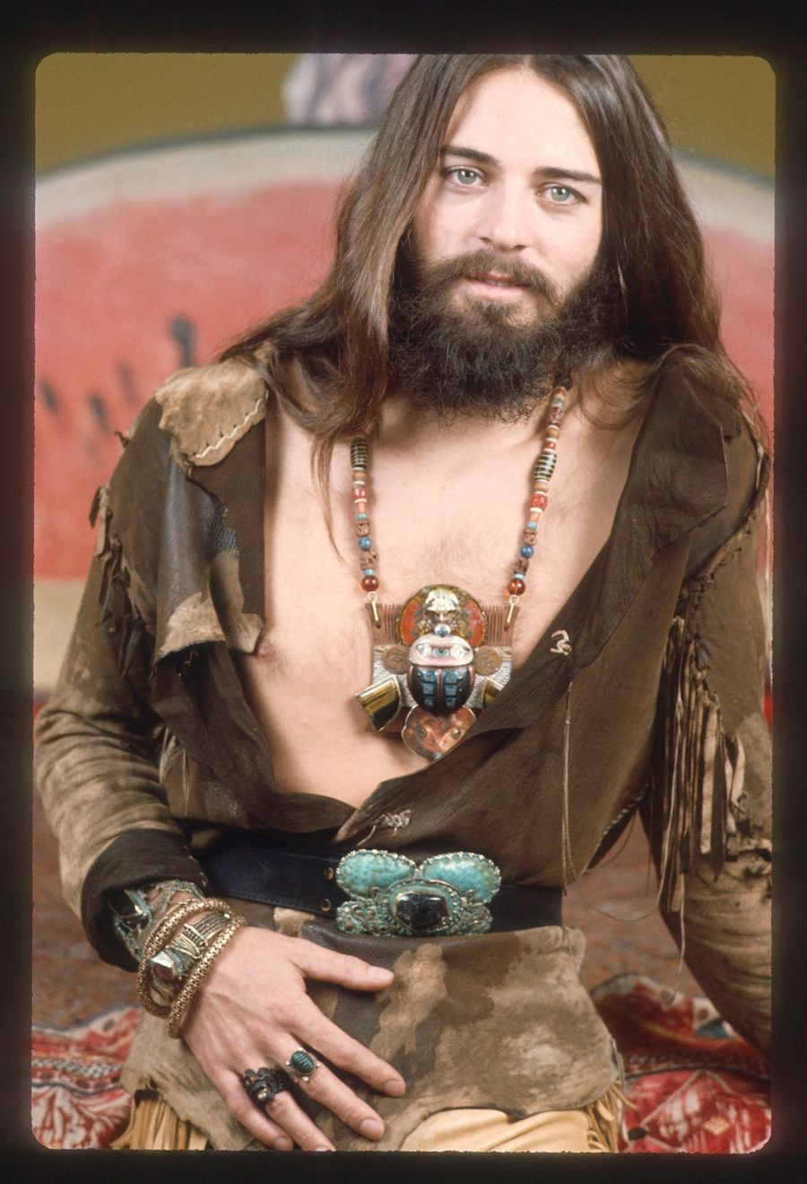 """Alejandro """"Alex"""" Mate of Alex and Lee Jewelry, 1974. Courtesy ofAnnie Wainwright andMuseum of Arts and Design.&nb"""