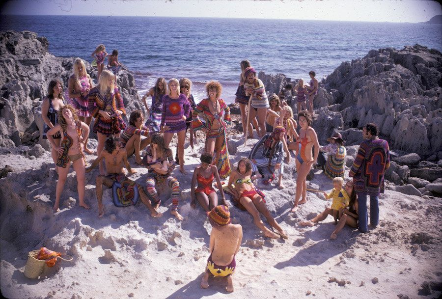"""Hippie Royalty on the Rocks,"" Ibiza, 1969. Photo by Karl Ferris, featuring crocheted designs by 100% Birgit"