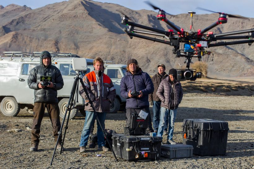 Mongolia Film crew (L to R: Simon Niblett, DP; Otto Bell, Director; Ben Crossley, Camera Asst; local drivers)