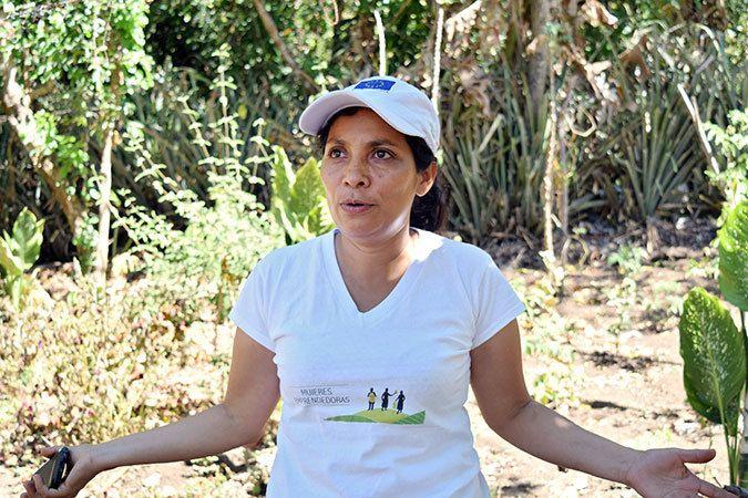 Iris Griselda Gómez, leader of Mujeres en Acción, on the plot. Photo: UN Women/Elisa Cassoni