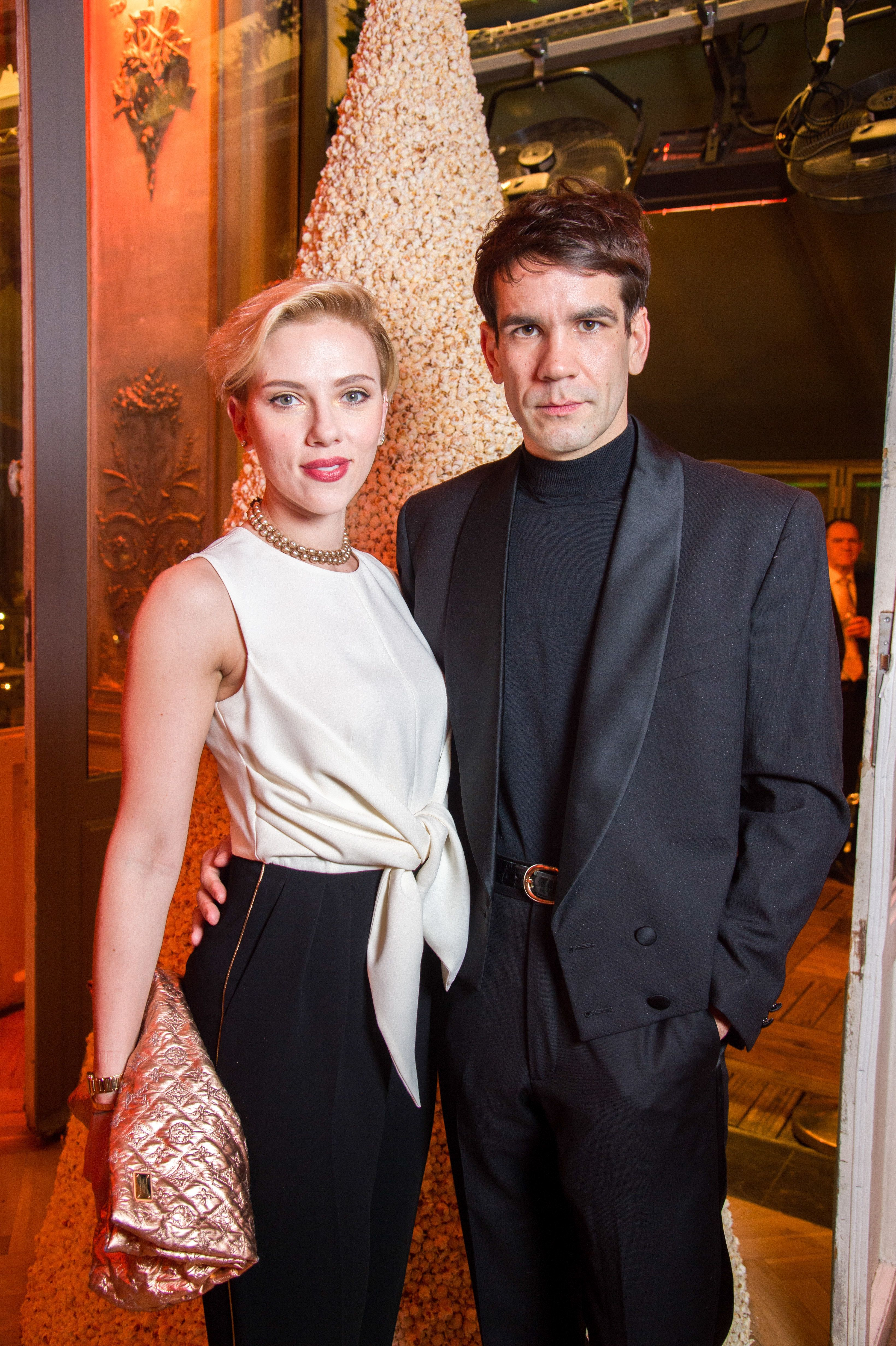 Scarlett Johansson 'Files For Divorce' From Husband Of Two Years