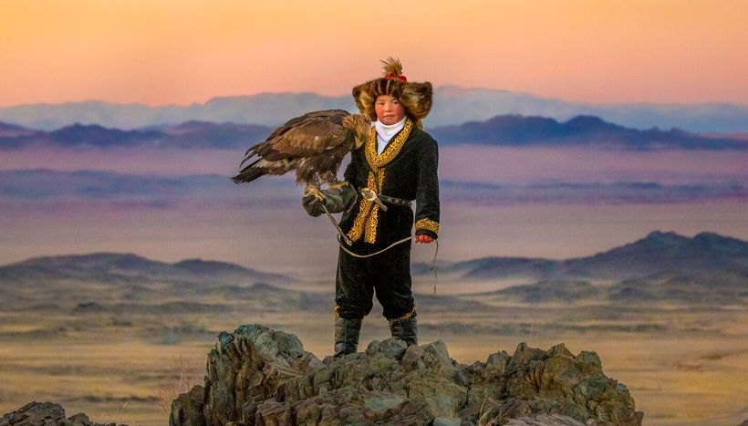 "Bird, Mountain and Aisholpan - Mongolia <a rel=""nofollow"" href=""http://www.svidensky.com/projects/the-eagle-huntress"" target="