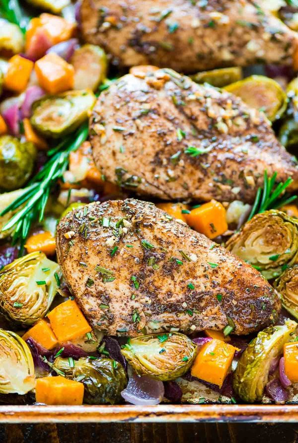 "<strong>Get the <a href=""http://www.wellplated.com/sheet-pan-chicken-sweet-potatoes-apples-brussels-sprouts/"" target=""_blank"""