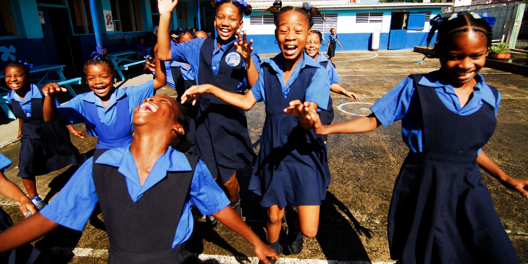 50 Infectious Photos Of Girls Looking Joyful Around The World
