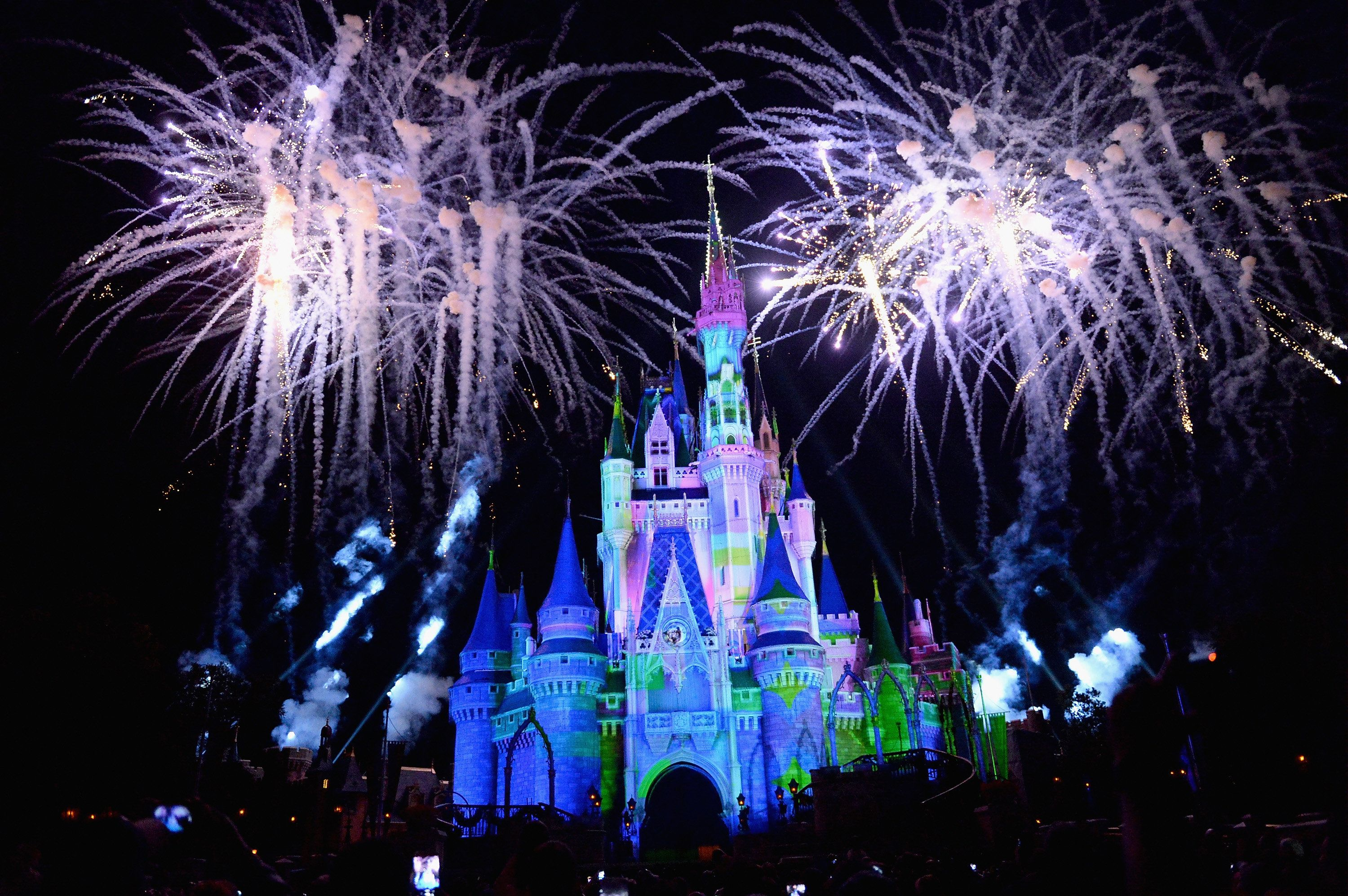 Mom Cancels Her Family Trip to Disney Due to Beauty and the Beasts Gay Moment