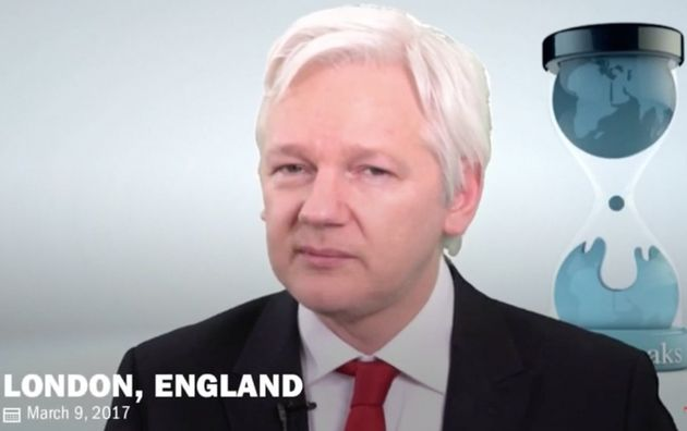 Julian Assange Offers To Share Details Of CIA Tools With Tech