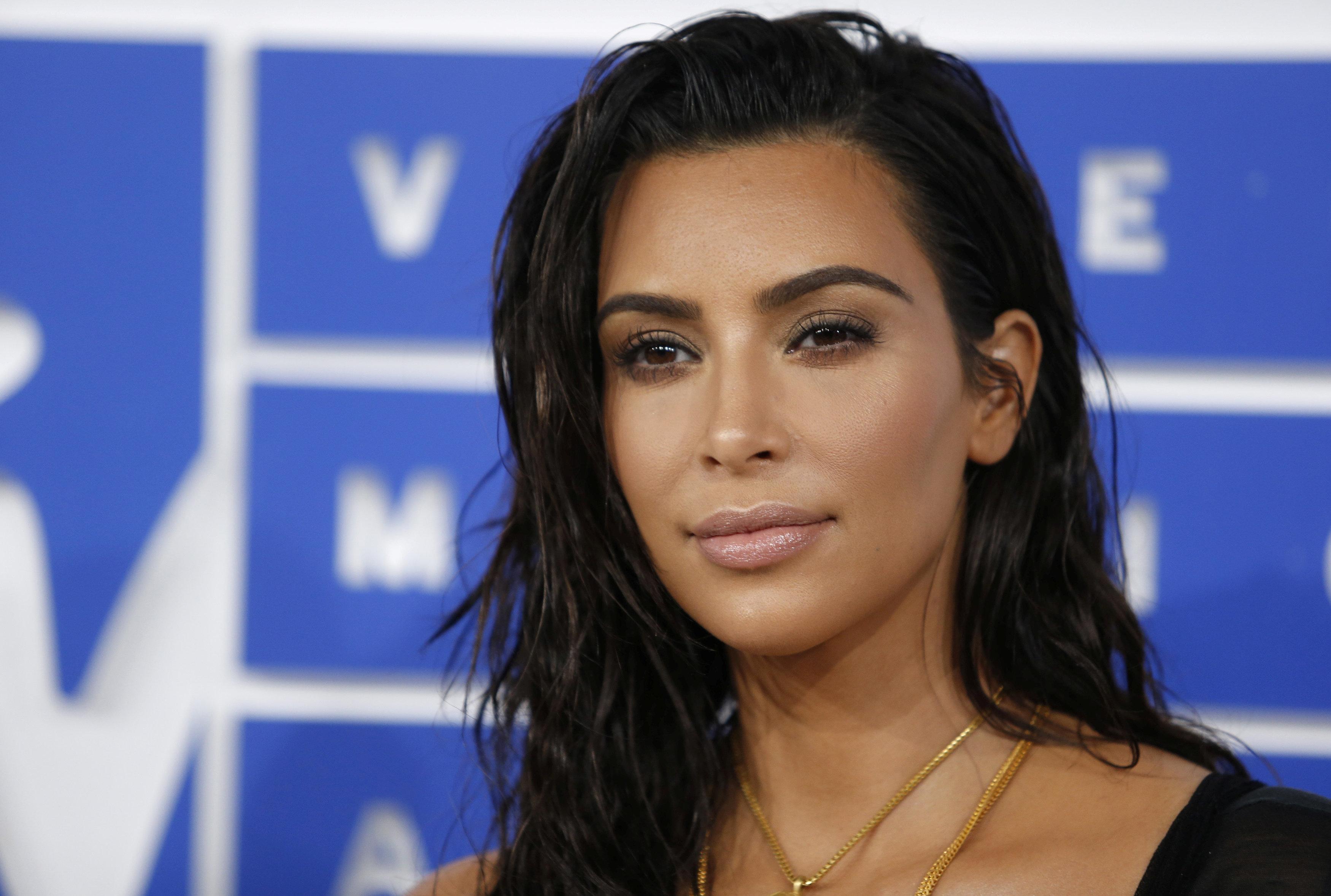 Kim Kardashian Has Gone Platinum Blonde And Looks Incredible