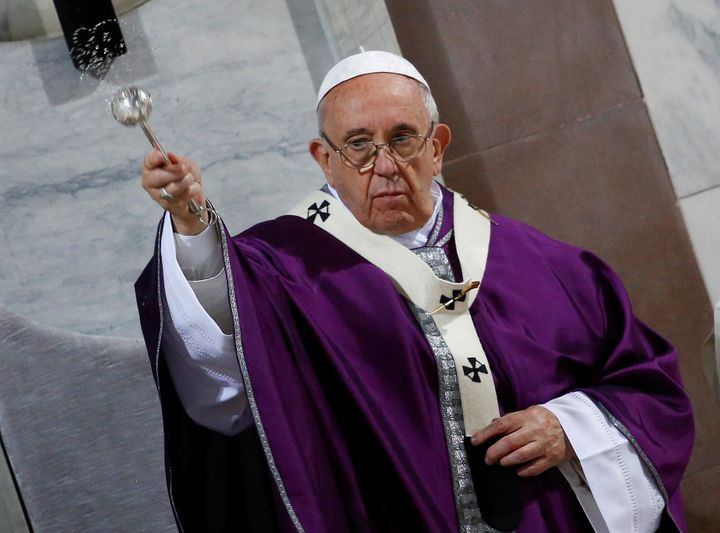 Pope Francis blesses ashes during the Ash Wednesday mass at Santa Sabina Basilica in Rome, Italy March 1, 2017. REUTERS