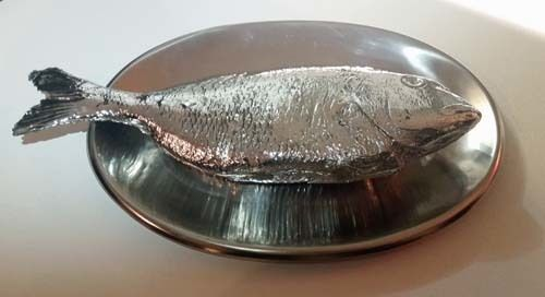Robert Watts<em>, Fish (1964</em>-65)  Chrome on plaster and metal platter