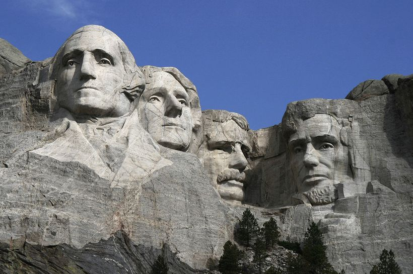 Dean Franklin - 06.04.03 Mount Rushmore Monument. CC BY 2.0, https://commons.wikimedia.org/w/index.php?curid=7930156