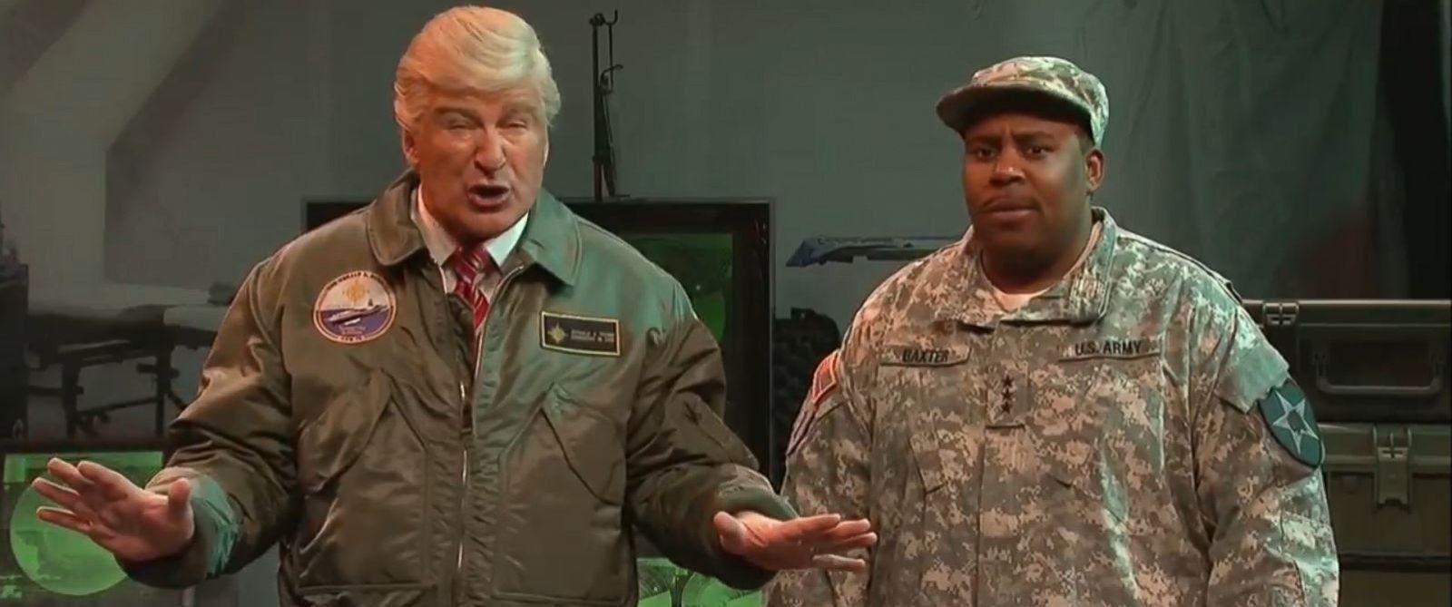 Alec Baldwin cuts up with Kenan Thompson