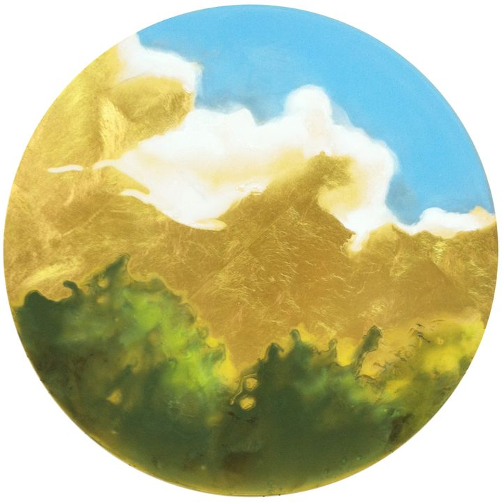 Karen Fitzgerald, <em>The Sky is Dreaming </em>(2015), oil with 23k gold on panel, 12 inches in diameter by 1 inch deep