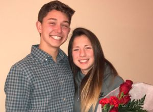 Everyone Is In Love With This Teen     s Creative      Prom Proposal      The Huffington Post UK