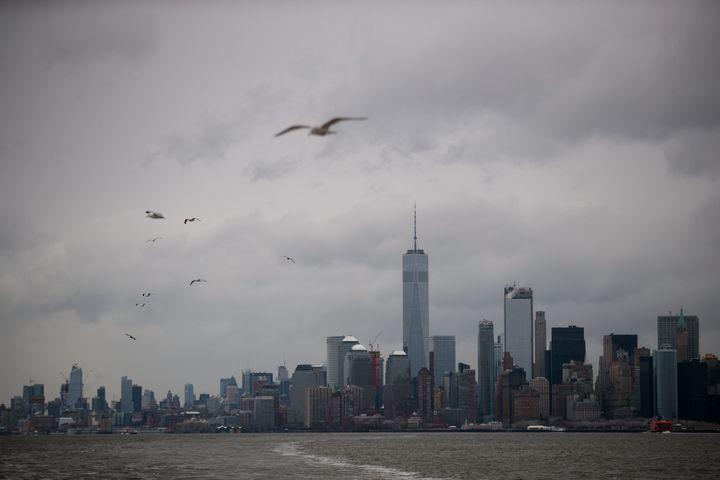 Blizzard blows into northeast USA; flights canceled, schools shut