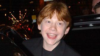 397152 23: ***EXCLUSIVE*** (ITALY OUT) Actor Rupert Grint enters limo outside of the Rainbow Room after earlier attending the premiere of 'Harry Potter and the Sorcerer's Stone' November 11, 2001 at the Ziegfeld Theatre in New York City. (Photo by Arnaldo Magnani/Getty Images)
