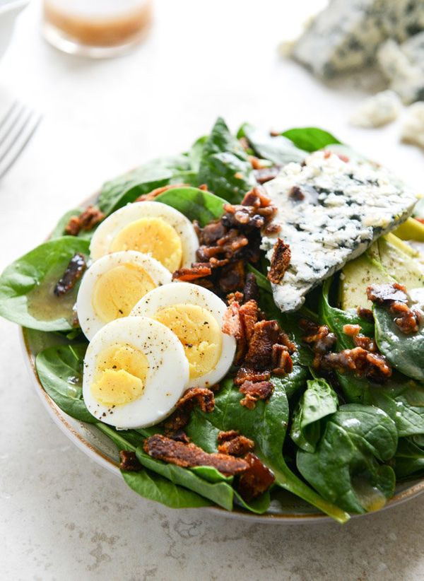 """<strong>Get the <a href=""""http://www.howsweeteats.com/2014/05/killer-spinach-salads-with-hot-bacon-dressing/"""" target=""""_blank"""">"""